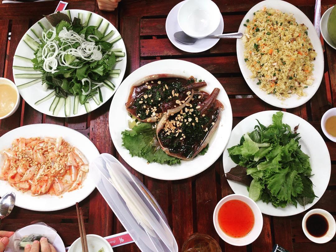 Ăn hải sản tại Phan Thiết