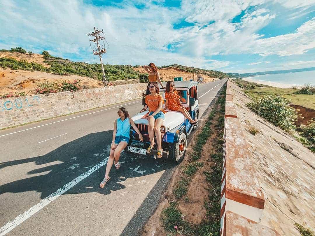 Đặt tour xe jeep tham quan Mũi Né