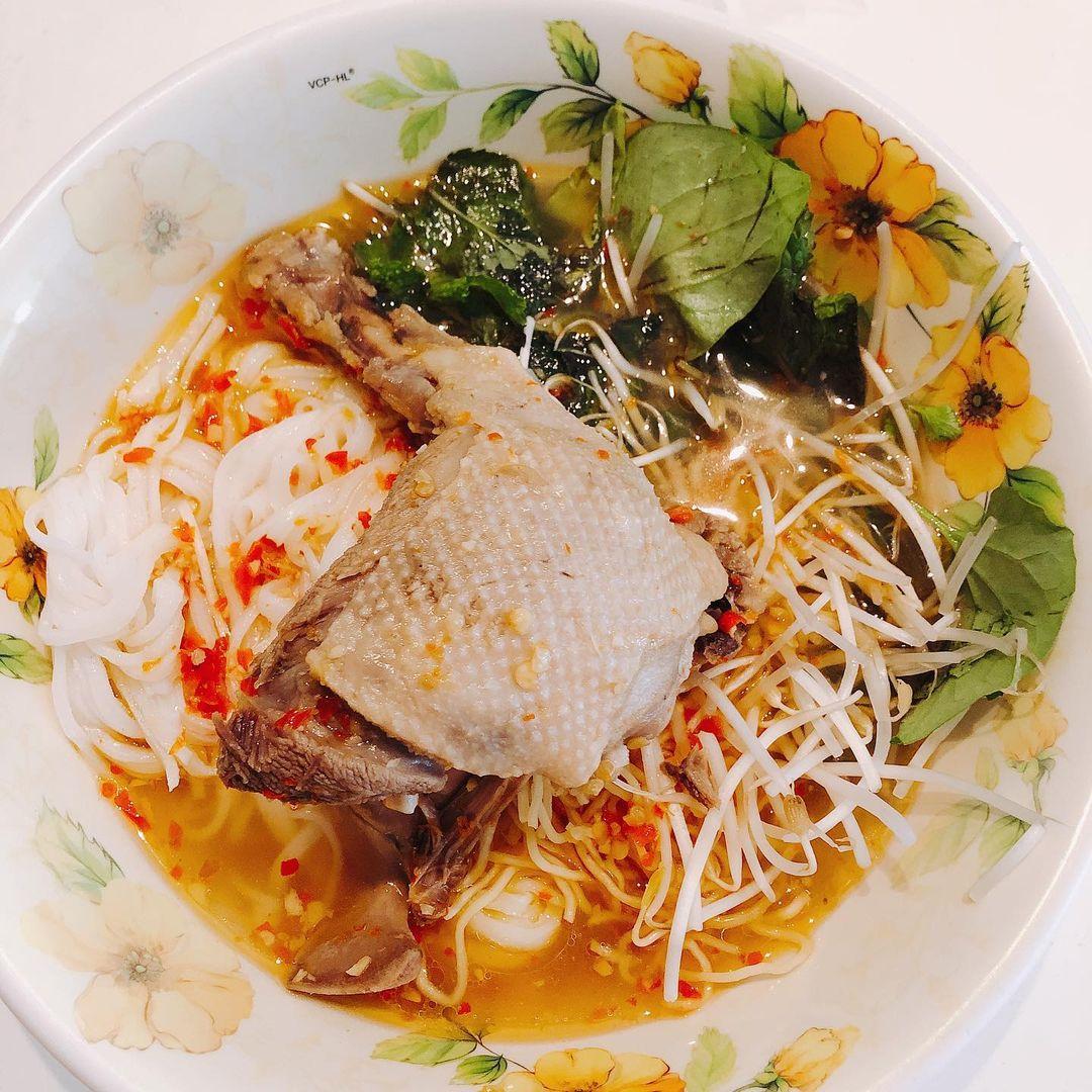 mỳ quảng vịt Phan Thiết